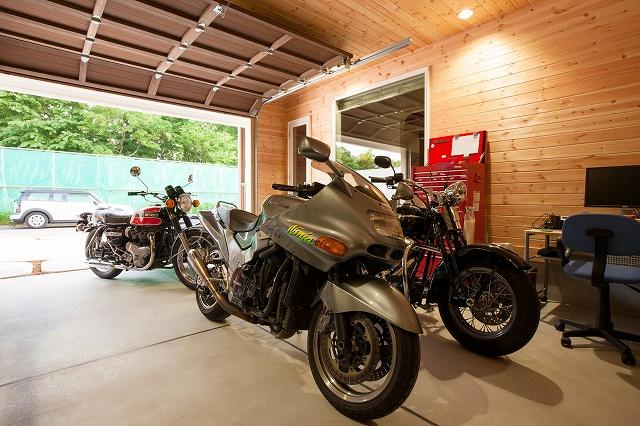 【見学会】バイクガレージと大好きな本に囲まれて暮らす家