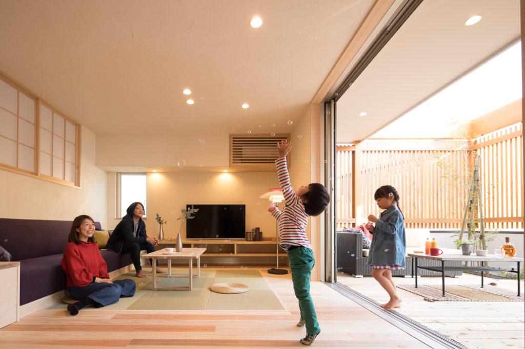【四街道市】オーダーソファーと畳リビングで憩う家